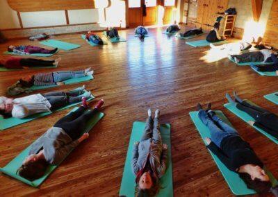 08 Séance de Yoga aujourd_hui dans l_éveil matinal