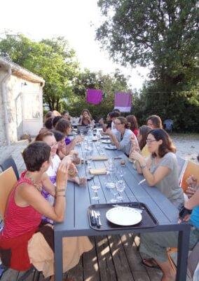 3)Moment de convivialité autour des repas « naturopathiques » préparés par Rachel Ponçon naturopathe