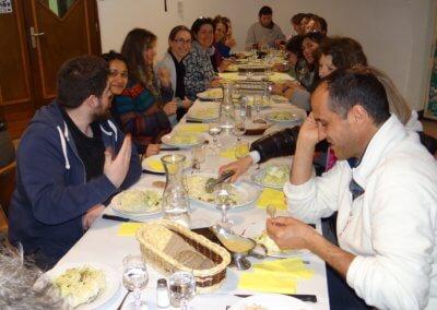 J)Repas partagé au monastère de Sainte croix en compagnie du directeur Frédéric Bourgogne